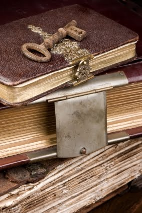old-journals-with-key1